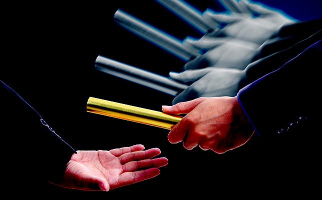 輪番制とは? 企業における輪番制の事例とメリット・デメリット
