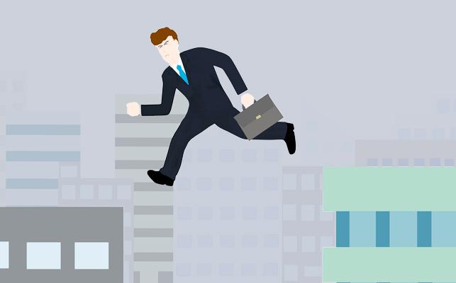 アウトプレースメントとは? 会社の人員削減と再就職支援