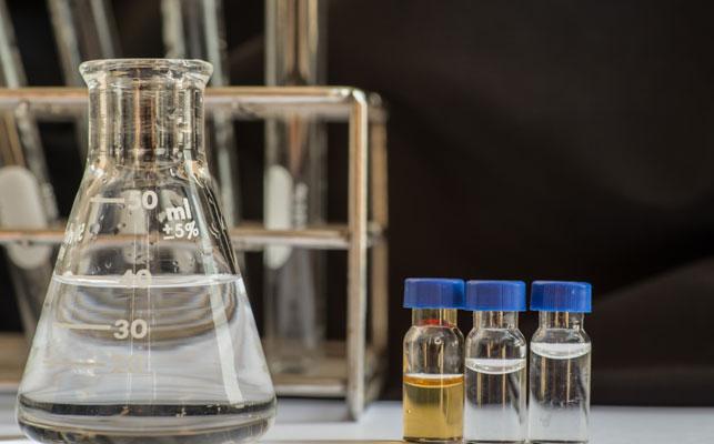 コントロール・バンディングとは? コントロール・バンディングと化学物質のリスクアセスメント
