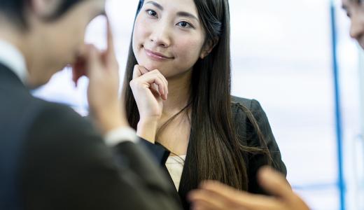 人事評価の面談方法やポイント、質問、フィードバックとは?
